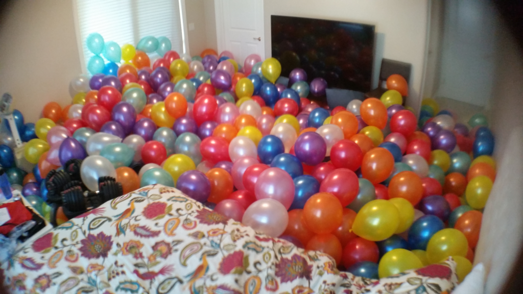 balloon_filled_room_4