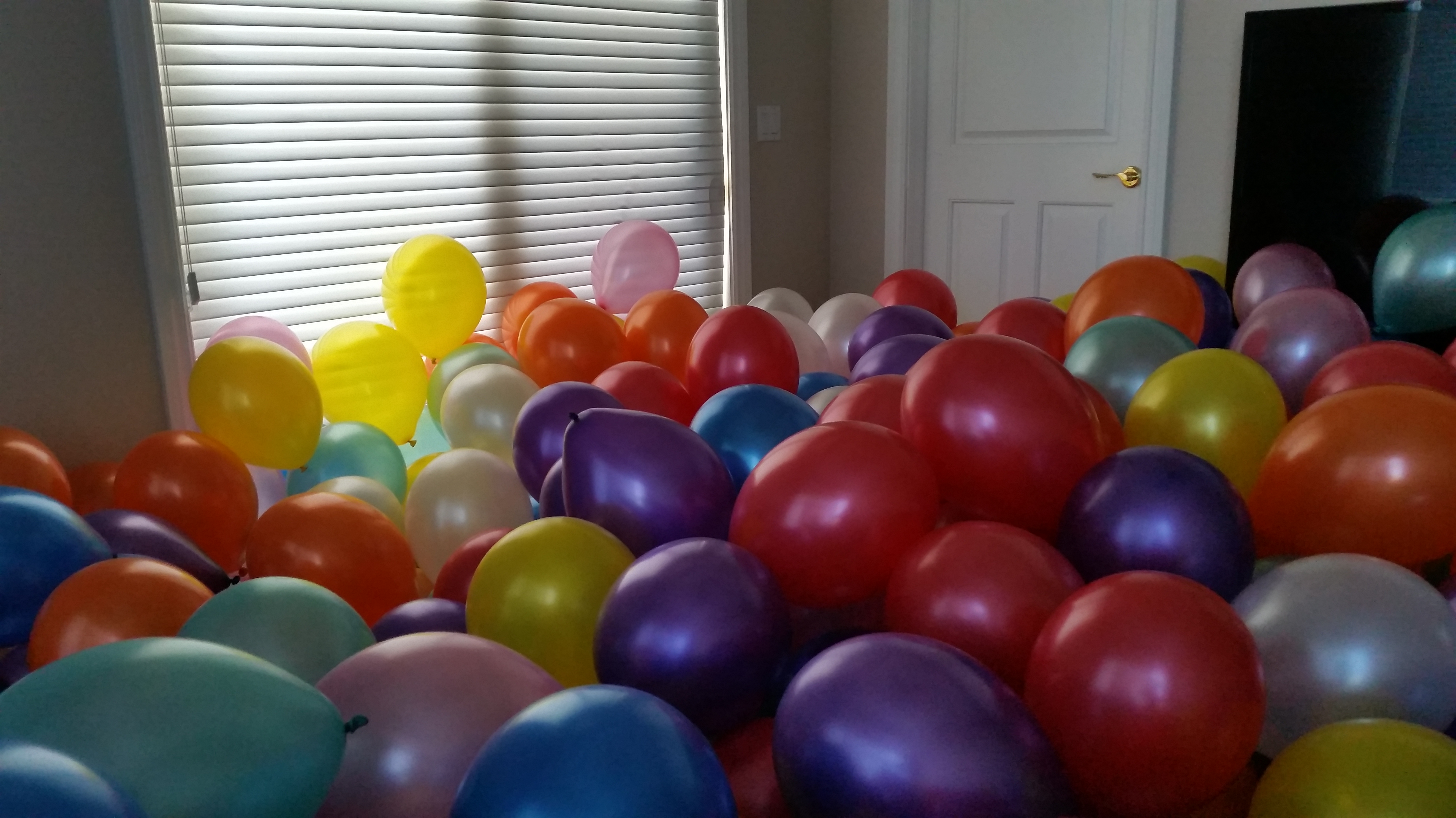 Filling a Room with Seven Hundred Balloons Maker Musings
